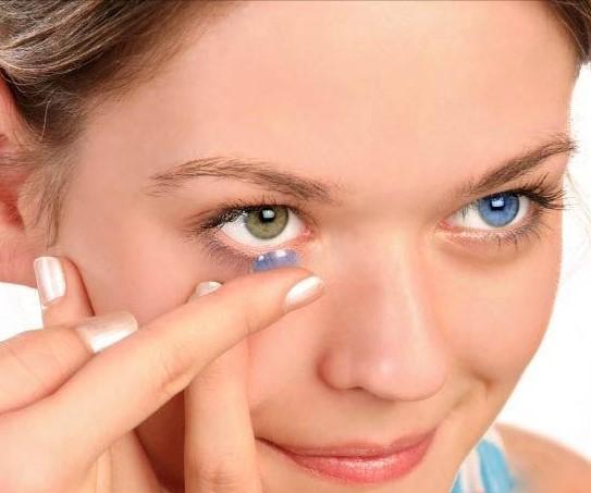 Может ли линза потеряться в глазу