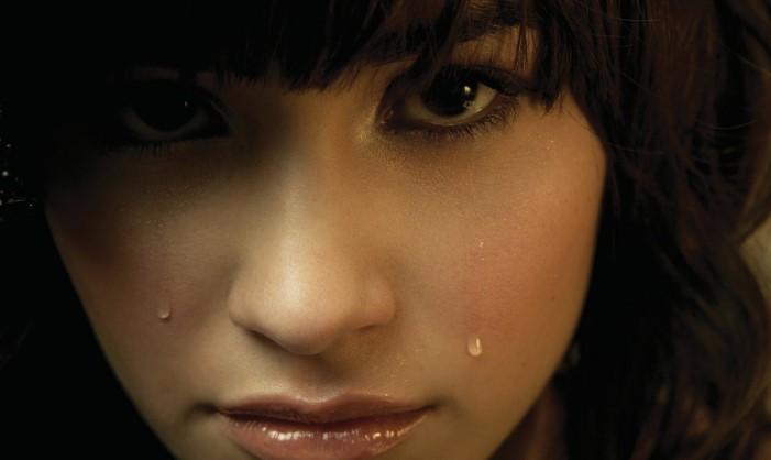 Можно ли плакать в контактных линзах