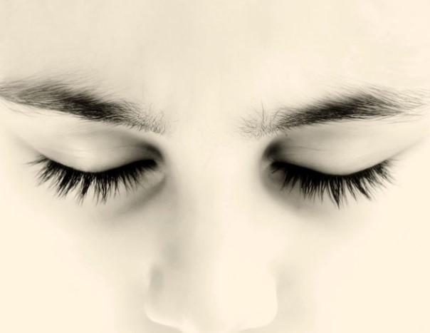 Закрытые глаза